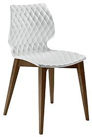 Uni från Metamobil med träben och sittskal av plast. Stolen kan väljas i olika färger och finns även andra underreden.