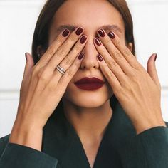 150 stunning short nail designs to inspire your next manicure - page 3 Short Nails, Long Nails, Dark Nails, Short Natural Nails, Cute Nails, Pretty Nails, Nails Kylie Jenner, Design Ongles Courts, Looks Pinterest