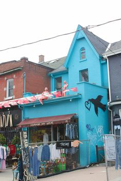 Exploring Toronto's Kensington Market Neighbourhood: A Travel Guide – Brittany's Adventures Country Song Quotes, Country Music Lyrics, Fake Smile Quotes, Country Girl Problems, Country Girls, Brittany, Great Places, Travel Guide, Toronto