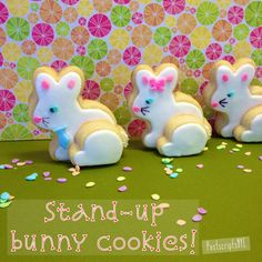 Stand-up bunny cookie tutorial http://www.postscriptsnyc.com/blog/2014/4/14/the-bunnies-are-coming