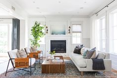 Client Welcome to LA, We Hope You Stay - Amber Interiors Coastal Living Rooms, My Living Room, Living Room Interior, Home Interior Design, Living Room Furniture, Living Room Decor, Small Living, Furniture Layout, Furniture Plans