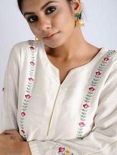 Best 12 for digonal stripes kurti – Page 314266880248227582 – SkillOfKing. Embroidery Suits Punjabi, Embroidery On Kurtis, Kurti Embroidery Design, Embroidery Dress, Neckline Designs, Dress Neck Designs, Blouse Designs, Silk Kurti Designs, Kurta Designs Women