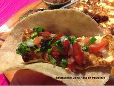 En la Cocina Michoacana debes disfrutar el Queso Artesanal, una gran variedad desde la clásica asadera, hasta el queso seco que es un gran complemento para tus platillos típicos, pruébalo en Restaurante Doña Paca en Pátzcuaro