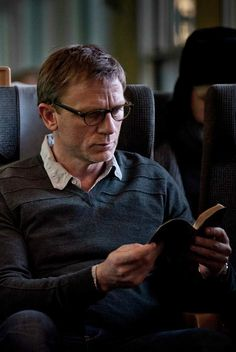 """Daniel Craig as """"Mikael Blomkvist"""" in The Girl with the Dragon Tattoo (2011)"""