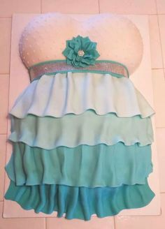 Ruffled baby belly cake ♥