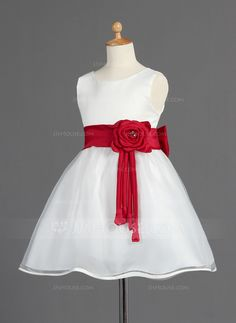 A-Line/Princess Scoop Neck Knee-Length Sash Beading Flower(s) Bow(s) Organza Satin White General First Communion Dresses Flower Girl Dress