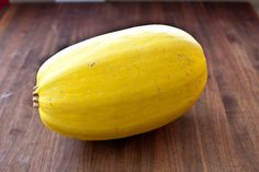 Spaghetti Squash On a no-pasta diet? Tasty spaghetti squash is a great stand-in for carb-dense noodles. Spaghetti squash is so versati. Baked Squash, Spaghetti Squash Recipes, Squash Bake, Squash Food, Squash Pasta, Squash Salad, Kitchen Recipes, Cooking Recipes, Soup Kitchen