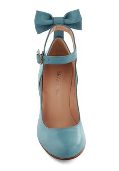 Bow My Darling Heel in Sky. Nearly everyone will want you to be their darling when they spot you styled in the sky-blue hue of these sweet leather pumps by Shani Bar. #blue #modcloth #shoes