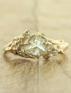Unique-engagement-ring-devi-f-ysap_large_large