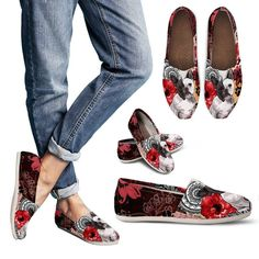 Women's Casual Canvas Shoe Features a full wrap canvas print. Elastic stretch V for easy on-and-off use. Soft textile lining with lightweight construction for m Espadrille Shoes, Espadrilles, Toms Style, Popular Shoes, Buy Shoes Online, Lady And The Tramp, Clearance Shoes, Shoe Brands, Casual Shoes