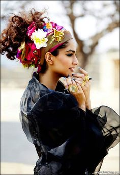 your memory,   Source :  http://www.funmag.org/bollywood-mag/sonam-kapoor-photoshoot-for-elle-magazine-2012/