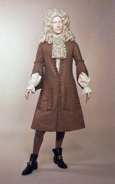 Manchester Art Gallery and Platt Hall hold the city's world-class art collections, with over objects of fine art, decorative art & costume. 17th Century Clothing, 17th Century Fashion, 18th Century, Historical Costume, Historical Clothing, Men's Clothing, Art Costume, Costumes, Luis Xiv