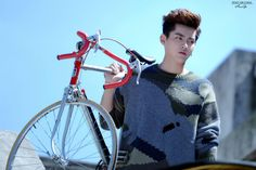 Wu Yi Fan, Luhan, Exo, Kris Wu, Super Junior, Girls Generation, Bicycle, Black, Bicycle Kick