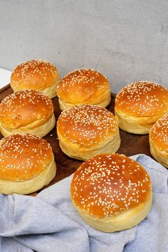 seven up cake Seven Up Cake, Food N, Food And Drink, Chefs, Denmark Food, Danish Food, Food Crush, Savoury Baking, Food Hacks