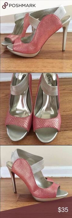 Carlos Santana pink heels pumps Nordstrom GORGEOUS Carlos Santana pink heels GORGEOUS. EXCELLENT condition! I ship fast. Be sure of the size you need before buying. Size 8. These are from Nordstrom, if your familiar with the Carlos Santana brand you know they weren't cheap. Thanks for looking. Not eligible for bundle discount, don't add this to a bundle with other listings please. Any questions, please don't hesitate to ask. I ship fast! Carlos Santana Shoes Heels