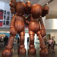 """Along the way"" by KAWS - Brooklyn Museum #streetart #brooklynmuseum #nyc #wood #statue #art #brooklyn #igers #igersnyc #picoftheday"