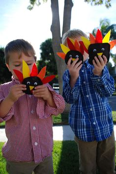 Easy thanksgiving crafts for kids on www.jane-can.com