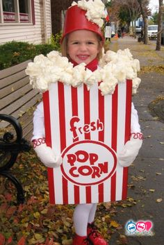 30 funny carnival costumes for kids Do some ideas that will blow you away - Faschingskostüme für Kinder selber machen - Halloween costumes diy Cotton Candy Halloween Costume, Boxing Halloween Costume, Candy Costumes, Fete Halloween, Last Minute Halloween Costumes, Toddler Halloween, Carnival Costumes, Diy Costumes, Zombie Costumes