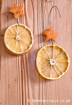 How to dry fruit for the christmas tree and make wonderful christmas ornaments. Wie man Früchte trocknet und wundervollen Christbaumschmuck daraus macht.