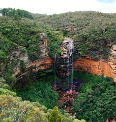 Blue Mountains waterfall, AUSTRALIA by HectorSpain, via Flickr