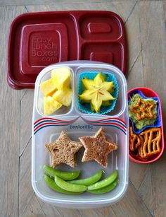Labor Day star plant based vegan lunch in @EasyLunchboxes with @eatwholly guacamole and patriotic pretzels