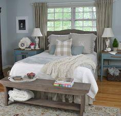 Beautiful Farmhouse Master Bedroom Ideas (81)