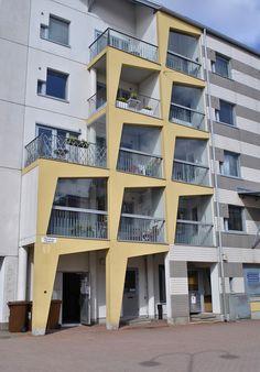 Postmodernia arkkitehtuuria; Pikku Huopalahti, Helsinki  | Postmodern…