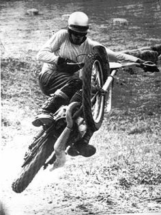 The Birth of American Motocross: The Racers - De Coster on his CZ displaying the form he made famous. Enduro Motocross, Motorcycle Racers, Motocross Action, Vintage Bikes, Vintage Motorcycles, Cool Bicycles, Cool Bikes, Old Scool, Surf