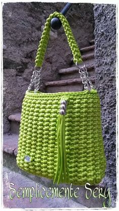 Marvelous Crochet A Shell Stitch Purse Bag Ideas. Wonderful Crochet A Shell Stitch Purse Bag Ideas. Bag Crochet, Crochet Handbags, Crochet Purses, Diy Crafts Crochet, Yarn Bag, Macrame Bag, Knitted Bags, Crochet Accessories, Handmade Bags