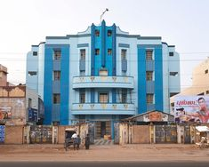 Between 2010-13 Sabine Haubitz + Stefanie Zoche photographed old movie theatres in South India.