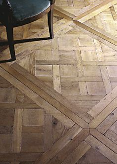 """Oak floors, Origines  Not sure about this one, something """"yes"""" but something also """"no"""""""