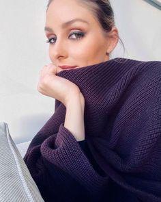 "@oliviapalermo публикува в профила си в Instagram: ""Swipe ➡️ for 😘   Wearing a mix of my @oliviapalermobeauty Matte Lipstick in Santa Fe and Matte…"" Deep Autumn, Olivia Palermo Style, Matte Lipstick, Fes, Makeup Trends, Rose Buds, Celebrities, How To Wear, Beauty"