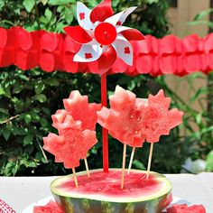 Patriotic Watermelon Pops for Canada Day totally making these this Canada day! My mom even bought a watermelon! Canada Day Party, Happy Birthday Canada, Happy Canada Day, Canadian Things, Canadian Food, Summer Parties, Summer Fun, Backyard Parties, Backyard Bar