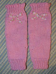 Knitting Patterns Leg Warmers Ravelry: Lauren& Ballet Princess Pink Leg Warmers FREE pattern by Glenna Mu. Crochet Leg Warmers, Crochet Socks, Knitting Socks, Girls Leg Warmers, Baby Leg Warmers, Knitting Patterns Free, Free Knitting, Free Pattern, Crochet Patterns