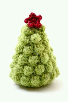 - - - CHRISTMAS TREE!!! ]]]