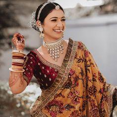 Indian Bridal Photos, Indian Bridal Outfits, Indian Bridal Fashion, Indian Fashion Dresses, Indian Designer Outfits, Wedding Outfits, Bridal Makeup Looks, Indian Bridal Makeup, Bridal Dupatta