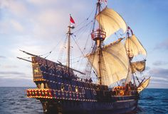 The Golden Hind, Sir Francis Drakes historic sailing ship replica under full sail, off the US west coast at sunrise, commemorating Drake's around the world Voyage of Discovery. Sir Francis, Drake, Madame Tussauds, Golden Hind, Us West Coast, Old Sailing Ships, Full Sail, Man Of War, Wooden Ship