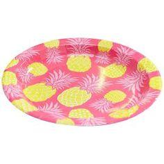 Party like a pineapple in stijl met deze vrolijke roze kartonnen bordjes met ananassen erop. Daar passen heel wat lekkere hapjes, hamburgers of zoete lekkernijen op en daarom zijn ze heel geschikt voor een zomers tuinfeest of bbq.