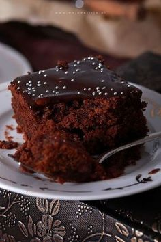 Black Big Sheet - Blanche cake with cocoa and jam, covered with chocolate glaze Cake Recipes, Dessert Recipes, Desserts, Chocolate Glaze, Polish Recipes, How Sweet Eats, Cake Cookies, Good Food, Food And Drink