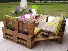 Pallet Ideas : Want to renew your house with wooden pallet furniture? We're the right place for you. Visit us and get to know a lot of pallet inspiration. Pallet Crafts, Diy Pallet Projects, Pallet Ideas, Wood Projects, Wood Ideas, Outdoor Projects, Outdoor Ideas, Patio Ideas, Gazebo Ideas