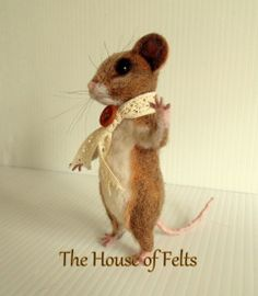 house of felts - NEEDLE FELTED ANIMALS  I love these brown mice!!