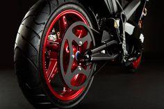 Typisch E-Bike: Das extreme Übersetzungsverhältnis geht auf das Konto des hochdrehenden Elektromotors.