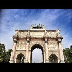 El arco del triunfo del Carrusel. by Hugo Passarello Luna, via Flickr