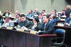 Honduras: Los que ganan menos de L15,000 mensuales no pagarán el ISR  El Congreso Nacional aprobó anoche reforma al artículo 22 de Ley del ISR que amplía base exenta a L141,000. El secretario ejecutivo y asesor presidencial, Ebal Díaz, explicó los alcances de la reforma a la Ley del ISR en el Congreso.