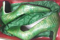 WOMEN'S BELLINI GREEN/GOLD CROC EMBOSSED PATENT LEATHER PUMPS US
