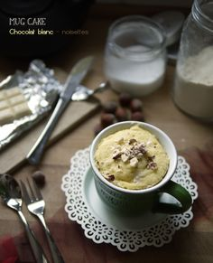 Mug Cake chocolat blanc – noisettes