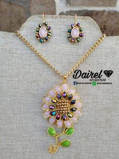 Wire Wrapped Jewelry, Wire Jewelry, Jewelry Sets, Diy Collier, Bijoux Fil Aluminium, Beaded Jewelry Patterns, Silk Ribbon Embroidery, Wire Weaving, Beads And Wire