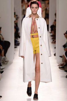 See the complete Hermès Spring 2017 Ready-to-Wear collection.