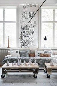 Niedrige Möbel lassen den Raum höher wirken. Prima für Räume mit niedrigen Decken.