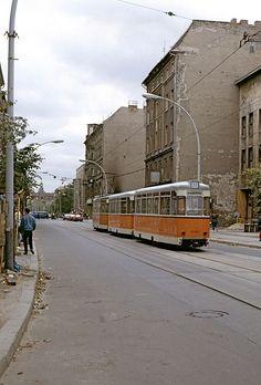 1991 Reko-Strassenbahnzug der Linie 22 kurz vor der Kreuzung mit der Chausseestrasse